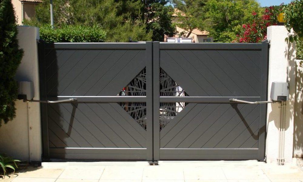 electricien-lyon-installation-depannage-electricite-renovation-motorisation-portail-battant-1-768x582 copie